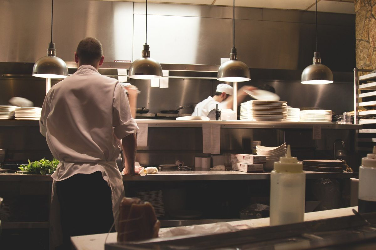 Praise to the kitchen! About requirements and specializations