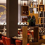 LOUIS casual italian dining