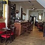 Locanta Bar inside