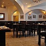 Roberto's Restaurant inside
