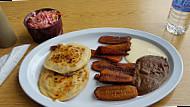 Pupuseria El Salvador food