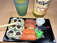 Sashimi Sushi food