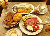 Café Gnosa inside