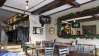 Bulldog Restaurant inside