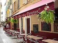 Bar des Oiseaux outside