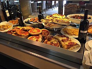 La Piazza Dolce & Salato
