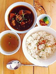 Rokas Food Haus
