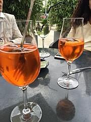 Le 118 Cafe-Bar-Vinotheque