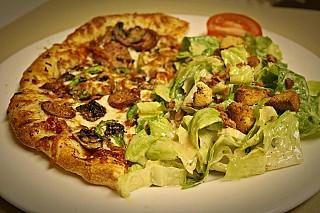Tomavinos Pizzeria