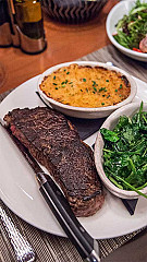 WiseGuys Steak & Lounge