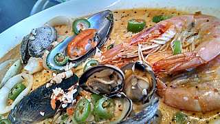 Big T's Seafood Market Bar
