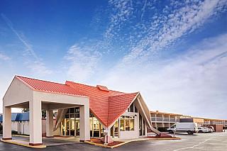 Howard Johnson Hotel-Rockford