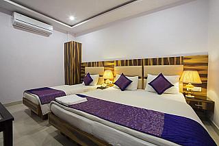 Shri Vinayak Hotel & Restaurant