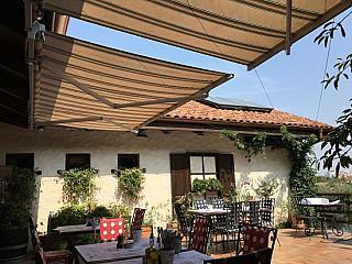 Blue Window Restaurant Slatina