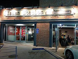 Isaan Station Thai