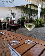 JULES - Bistro Restaurant