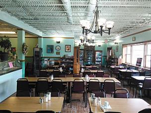 Victorias Country Inn