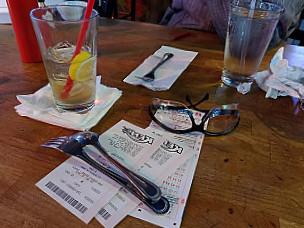 Bostons Pub Grill
