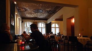 Schwarzes Café aus Berlin Speisekarte mit Bildern