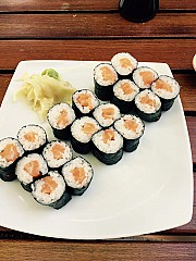 Happy Sumo Sushi Lounge