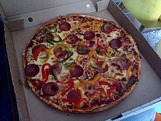 bobby 39 s pizza aus w rzburg speisekarte mit bildern bewertungen und adresse. Black Bedroom Furniture Sets. Home Design Ideas