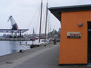 Jacques Wein Depot Wein Einzelhandel Gmbh Aus Rostock