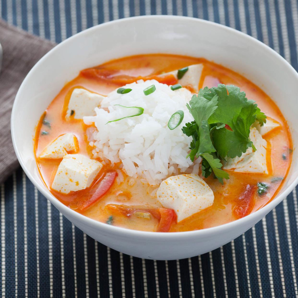 Foto der Schale Rindfleisch Thai-Curry