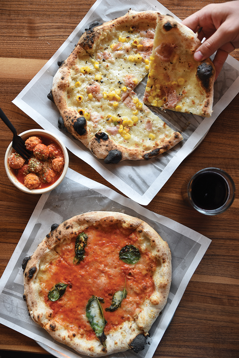 Foto der Schale Pizza Kansas