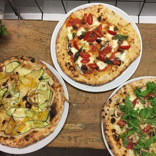 Foto der Schale Pizza Türkische Salami