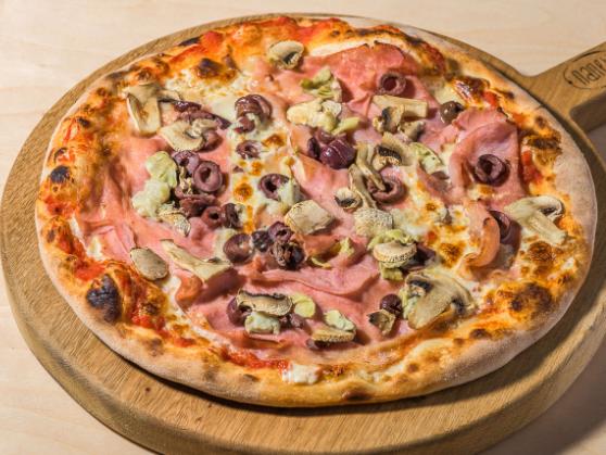 Foto der Schale Pizza Capricciosa