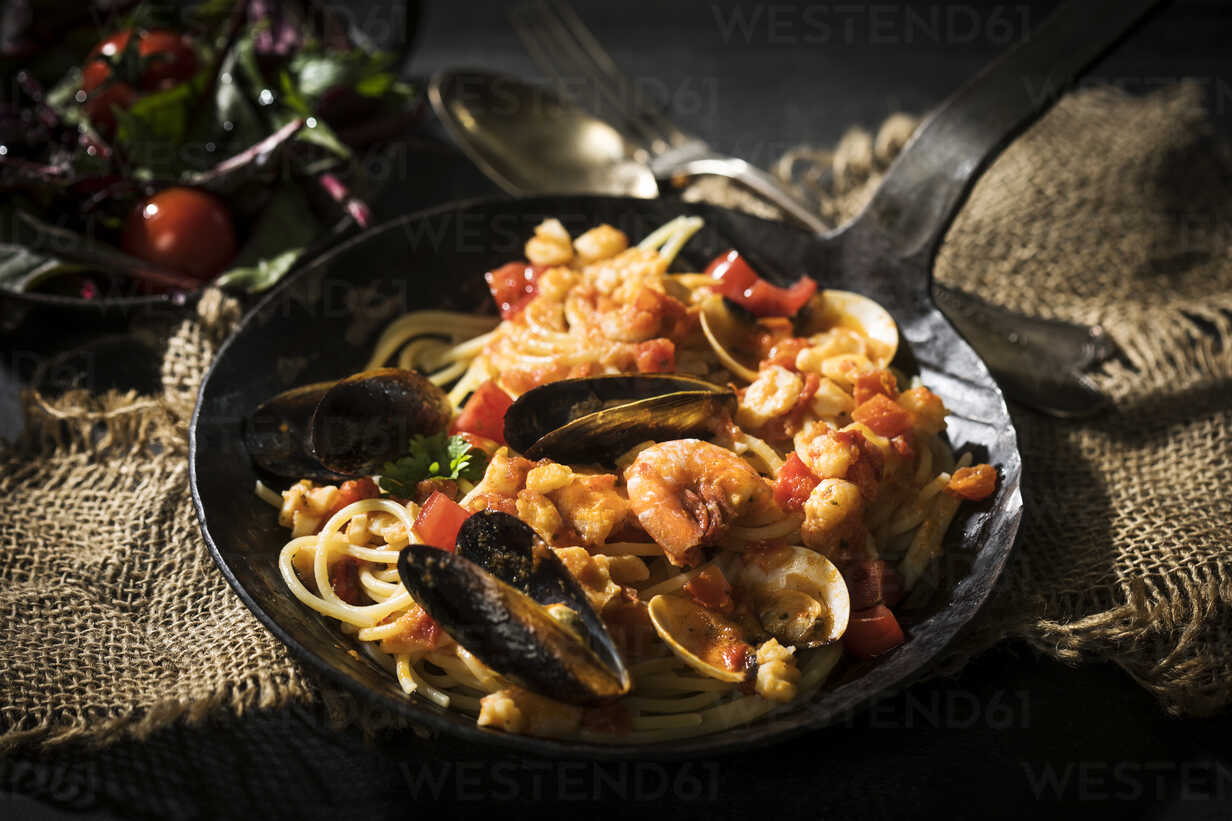 Foto der Schale Meeresfrüchte-Spaghetti