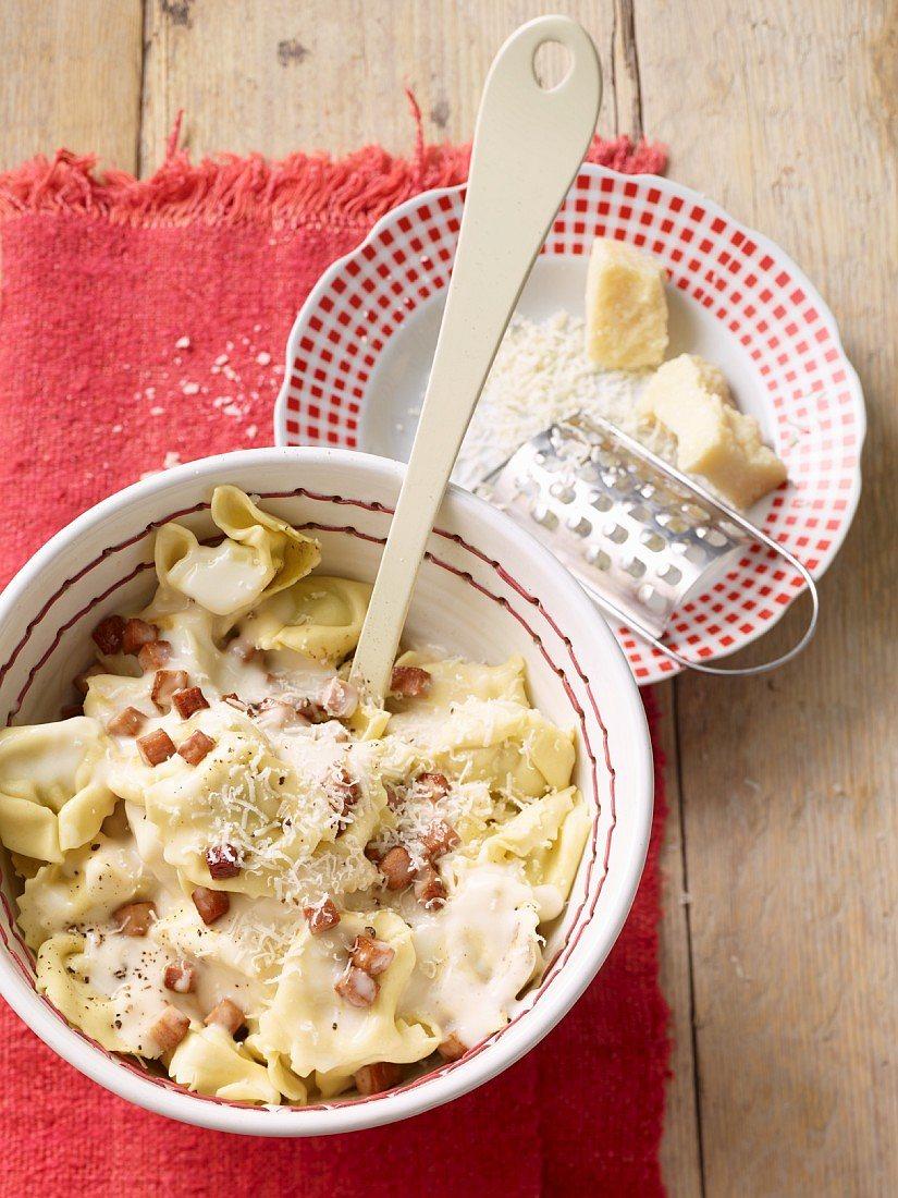Foto der Schale Pasta Alla Panna