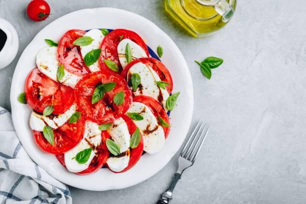 Foto der Schale Mozzarella Salat