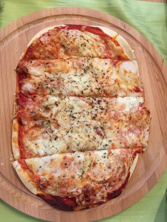 Foto der Schale Pizza Americana