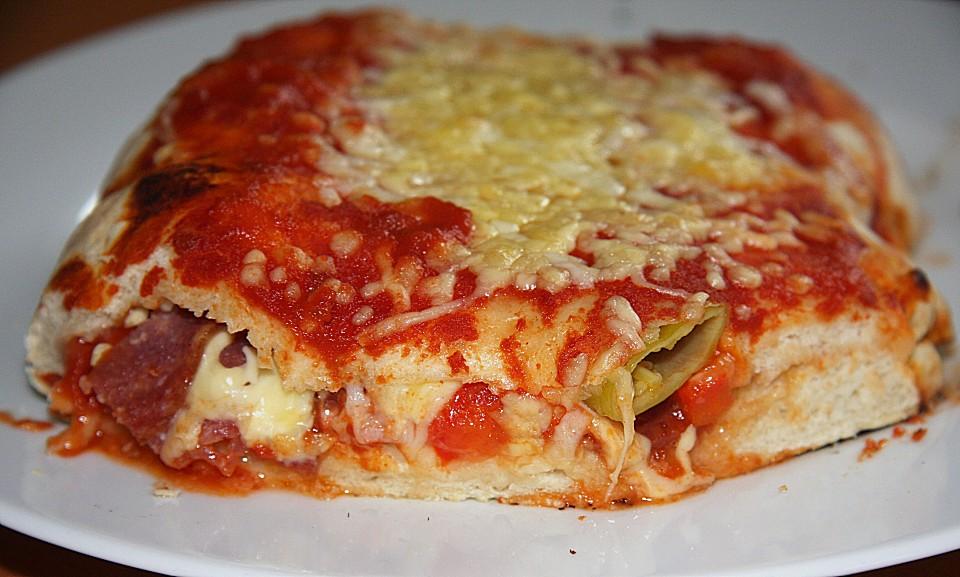 Foto der Schale Pizza Peperoniwurst